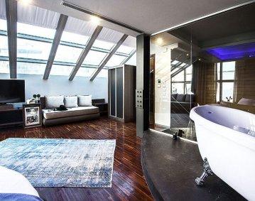 Diamond Suites Hotel