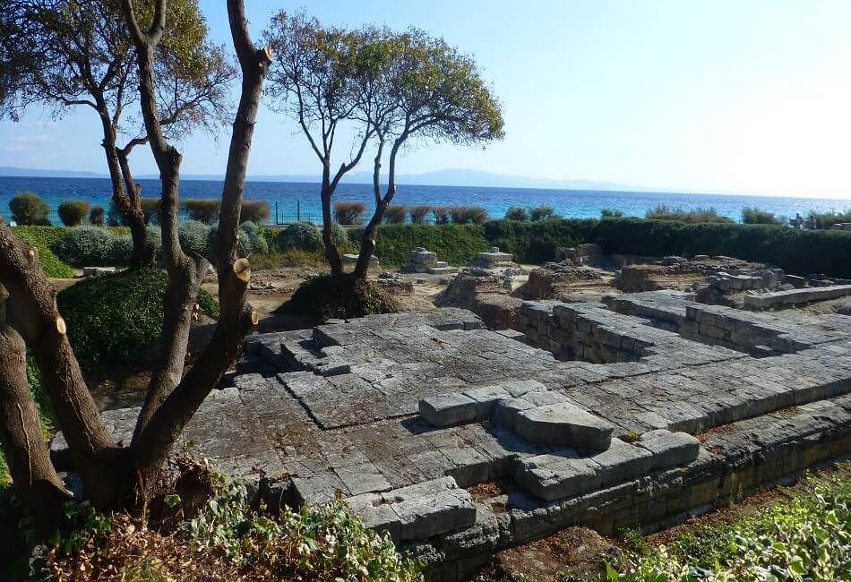 The Best Historical Places in Halkidiki - The Temple of Ammon Zeus - Greek Transfer Services